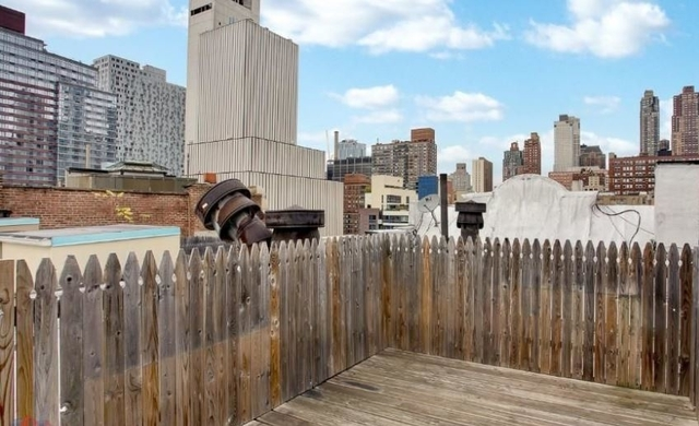 4 Bedrooms, Hell's Kitchen Rental in NYC for $6,460 - Photo 2