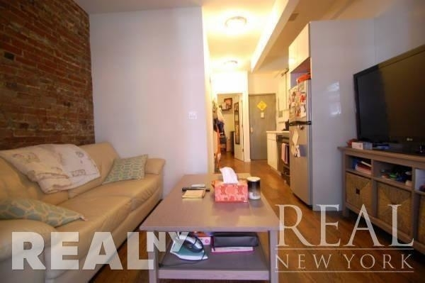 2 Bedrooms, Lower East Side Rental in NYC for $3,300 - Photo 2