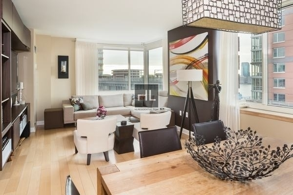 3 Bedrooms, Battery Park City Rental in NYC for $9,450 - Photo 2