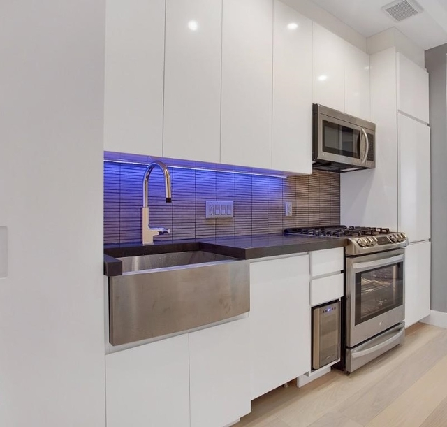 3 Bedrooms, Lower East Side Rental in NYC for $5,900 - Photo 2