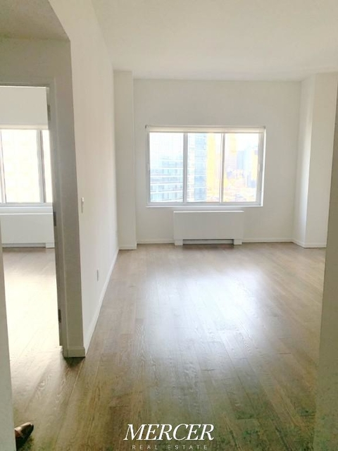 1 Bedroom, Hell's Kitchen Rental in NYC for $3,495 - Photo 1