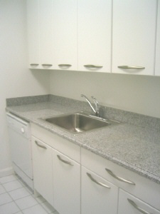 2 Bedrooms, Turtle Bay Rental in NYC for $6,415 - Photo 2