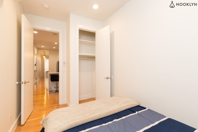 3 Bedrooms, Vinegar Hill Rental in NYC for $4,195 - Photo 2