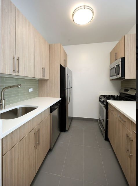 Loft, Financial District Rental in NYC for $4,300 - Photo 2