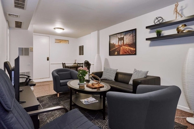 5 Bedrooms, Yorkville Rental in NYC for $6,200 - Photo 2