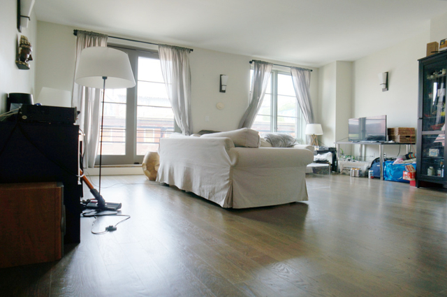 3 Bedrooms, Williamsburg Rental in NYC for $5,130 - Photo 1
