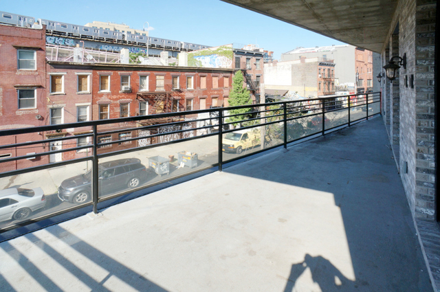 3 Bedrooms, Williamsburg Rental in NYC for $5,130 - Photo 2