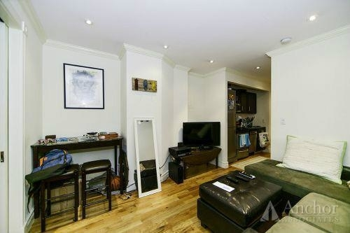 2 Bedrooms, Yorkville Rental in NYC for $3,600 - Photo 2
