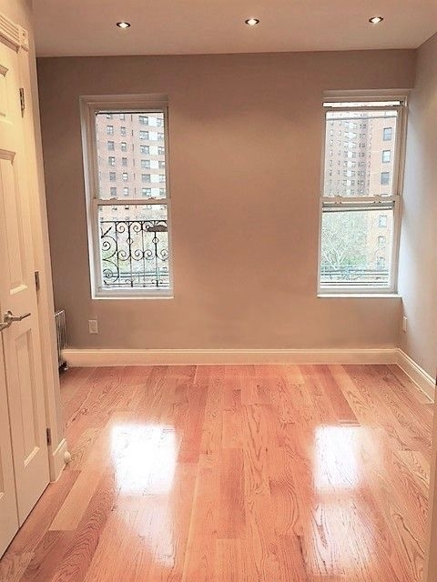 3 Bedrooms, Morningside Heights Rental in NYC for $4,033 - Photo 1