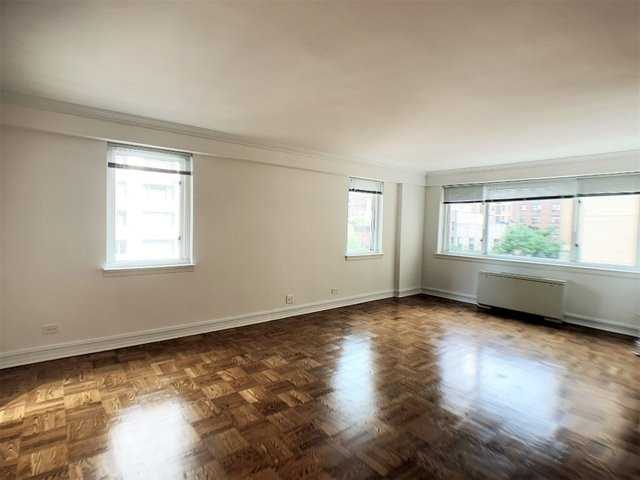 1 Bedroom, Upper East Side Rental in NYC for $4,650 - Photo 2