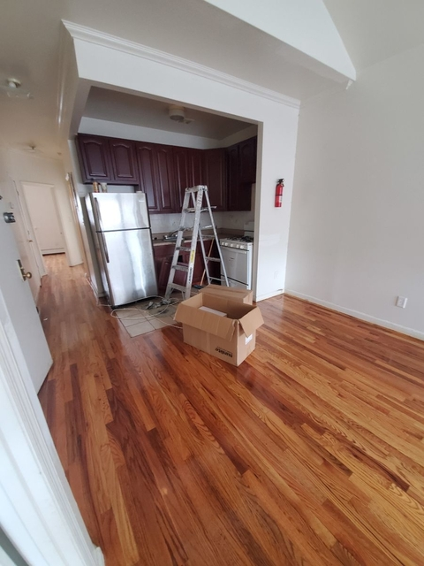 3 Bedrooms, East New York Rental in NYC for $2,200 - Photo 2