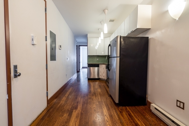 Room, Bushwick Rental in NYC for $925 - Photo 2