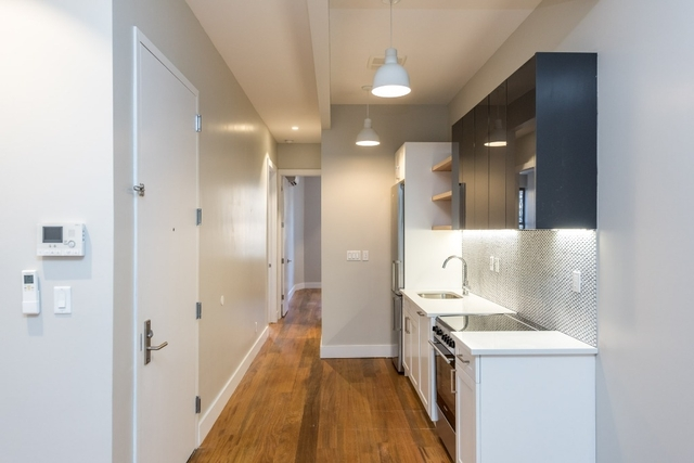 3 Bedrooms, Greenpoint Rental in NYC for $3,355 - Photo 2
