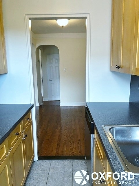 2 Bedrooms, Forest Hills Rental in NYC for $3,150 - Photo 2