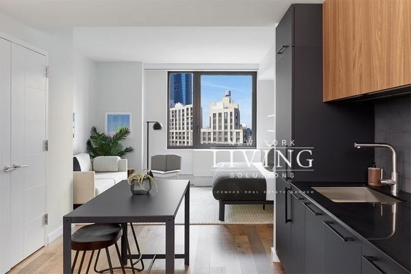 Studio, Hell's Kitchen Rental in NYC for $4,060 - Photo 2