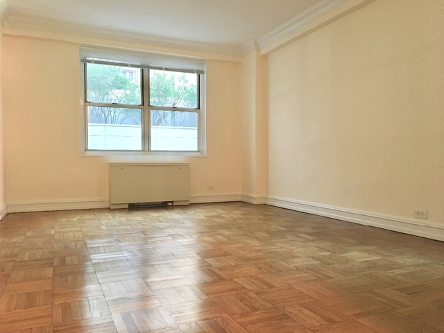 2 Bedrooms, Theater District Rental in NYC for $4,700 - Photo 2
