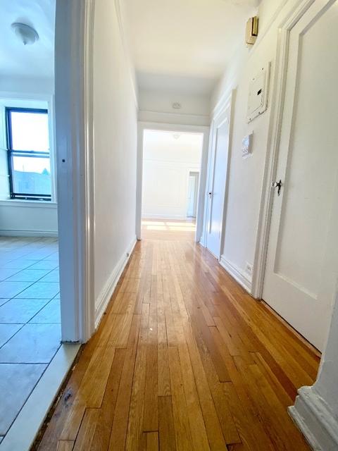 2 Bedrooms, Astoria Rental in NYC for $2,915 - Photo 2