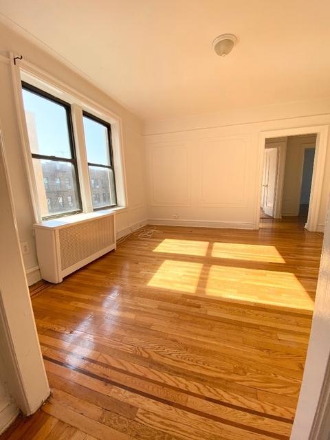 2 Bedrooms, Astoria Rental in NYC for $2,915 - Photo 1