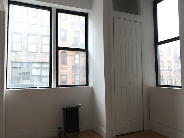 1 Bedroom, Alphabet City Rental in NYC for $2,888 - Photo 2