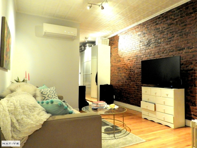 3 Bedrooms, Greenpoint Rental in NYC for $3,445 - Photo 2