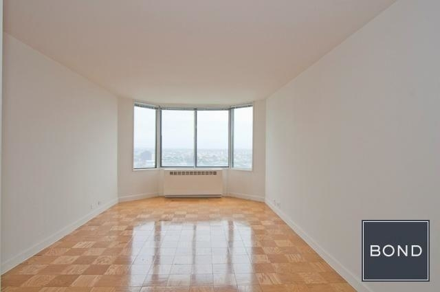 1 Bedroom, Yorkville Rental in NYC for $2,829 - Photo 2