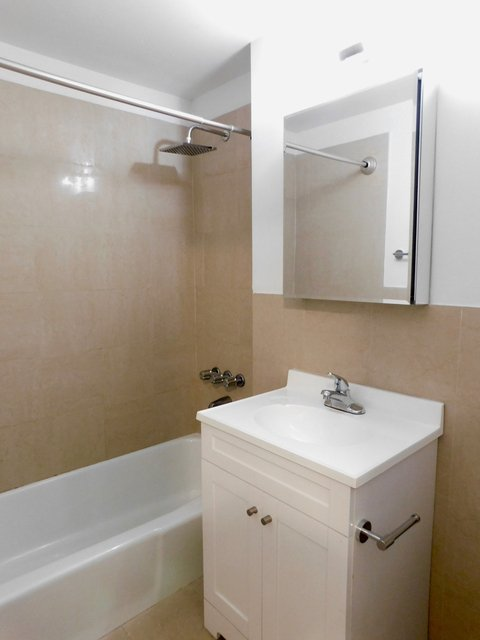 Studio, East Village Rental in NYC for $2,795 - Photo 2