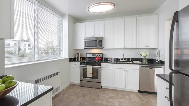 2 Bedrooms, Upper West Side Rental in NYC for $5,011 - Photo 2