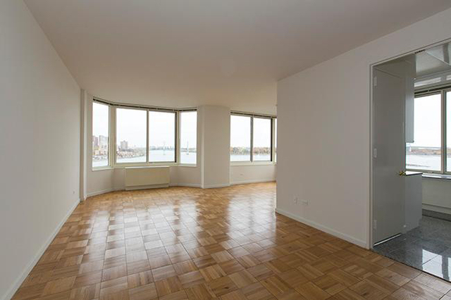 2 Bedrooms, Yorkville Rental in NYC for $6,795 - Photo 1