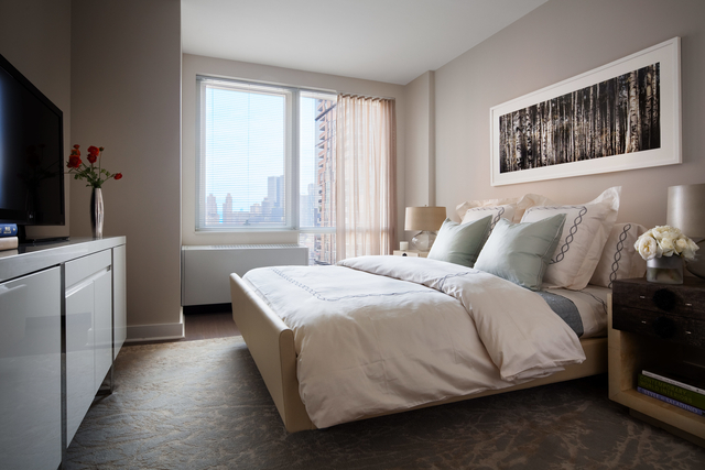 2 Bedrooms, Hell's Kitchen Rental in NYC for $7,710 - Photo 2