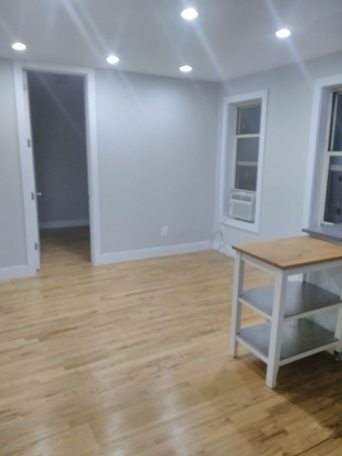2 Bedrooms, Morningside Heights Rental in NYC for $3,195 - Photo 2