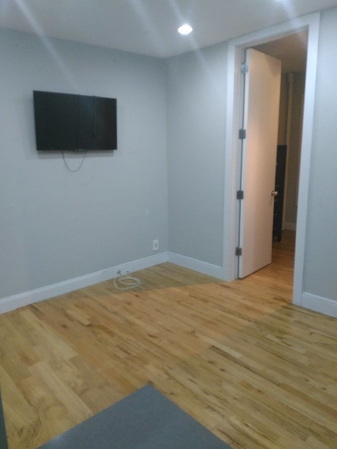2 Bedrooms, Morningside Heights Rental in NYC for $3,195 - Photo 1