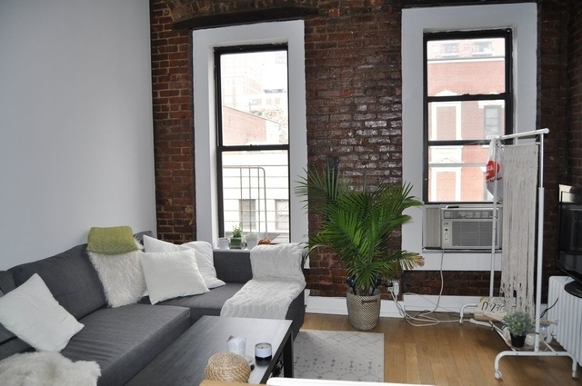 1 Bedroom, Yorkville Rental in NYC for $2,825 - Photo 2