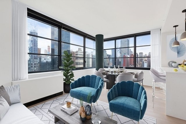 1 Bedroom, Hell's Kitchen Rental in NYC for $4,995 - Photo 2
