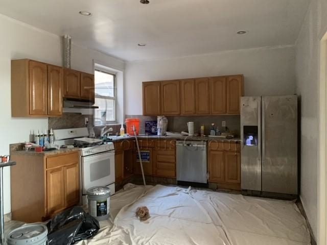 4 Bedrooms, Astoria Rental in NYC for $3,500 - Photo 1