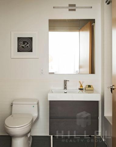 Studio, DUMBO Rental in NYC for $3,236 - Photo 2