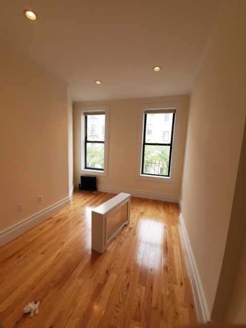 3 Bedrooms, Chelsea Rental in NYC for $5,250 - Photo 2
