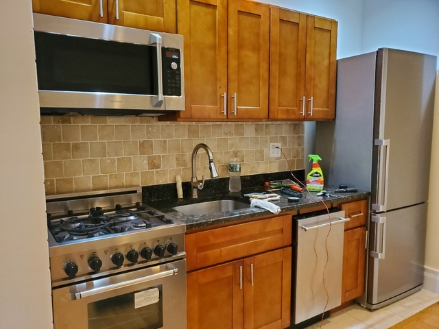 3 Bedrooms, Chelsea Rental in NYC for $5,250 - Photo 1