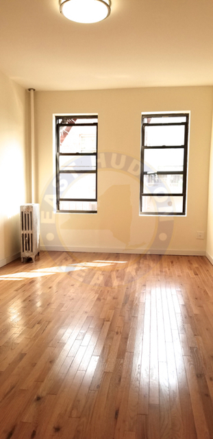 1 Bedroom, Steinway Rental in NYC for $2,250 - Photo 2