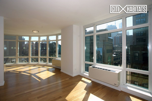 2 Bedrooms, SoHo Rental in NYC for $12,750 - Photo 1