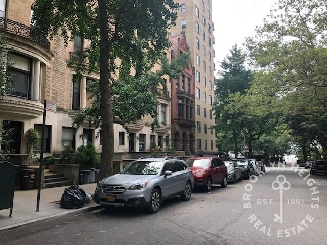 2 Bedrooms, Brooklyn Heights Rental in NYC for $7,250 - Photo 2