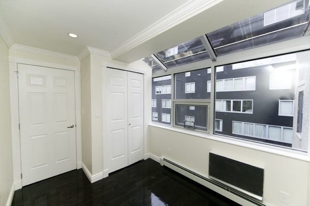 2 Bedrooms, Chelsea Rental in NYC for $5,170 - Photo 1