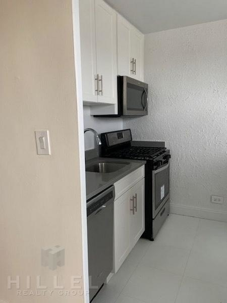Studio, Rego Park Rental in NYC for $1,920 - Photo 2