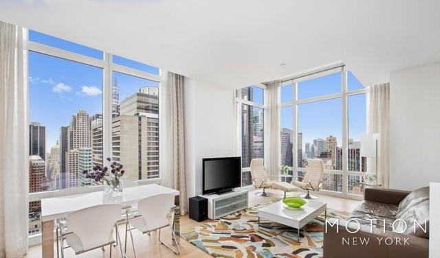 2 Bedrooms, Hell's Kitchen Rental in NYC for $5,125 - Photo 1