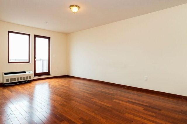 1 Bedroom, Brighton Beach Rental in NYC for $1,975 - Photo 2