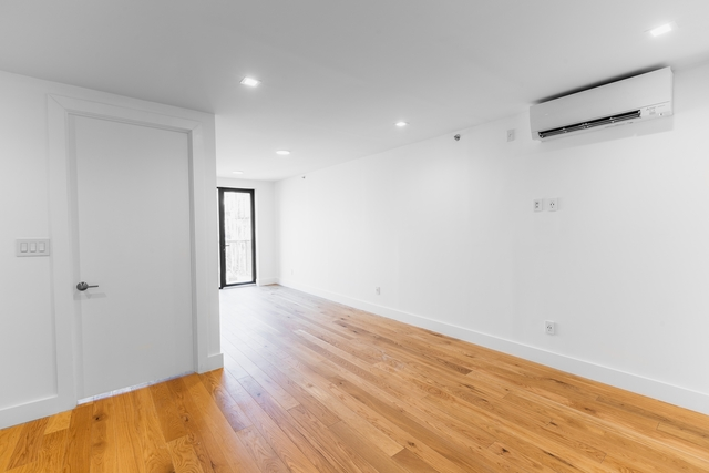 7 Bedrooms, East Village Rental in NYC for $15,125 - Photo 2