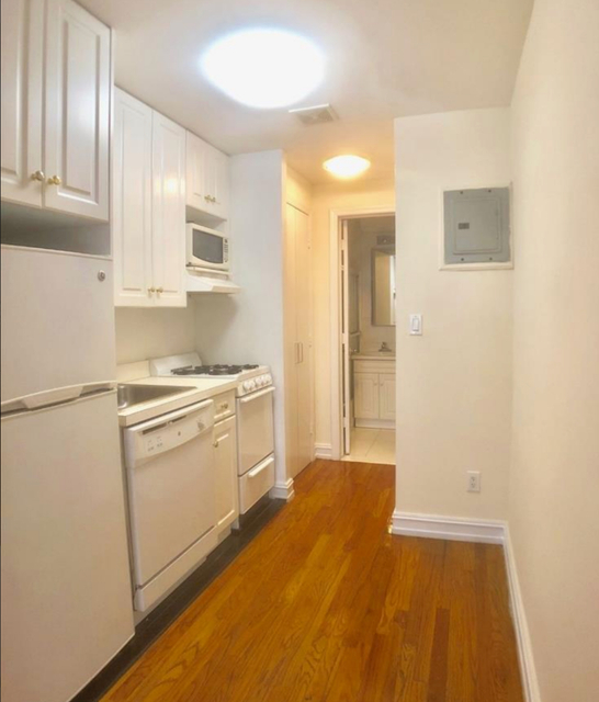 Studio, Murray Hill Rental in NYC for $2,377 - Photo 2
