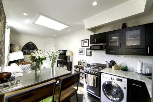 3 Bedrooms, Gramercy Park Rental in NYC for $6,195 - Photo 2