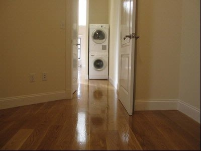 2 Bedrooms, Hell's Kitchen Rental in NYC for $3,995 - Photo 2