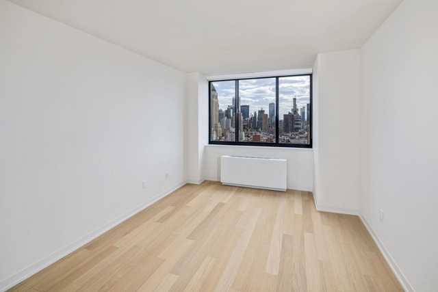 2 Bedrooms, Hell's Kitchen Rental in NYC for $5,683 - Photo 2