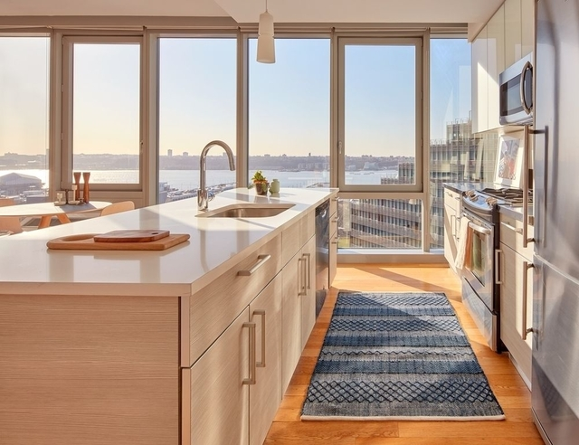 2 Bedrooms, Hell's Kitchen Rental in NYC for $5,423 - Photo 2